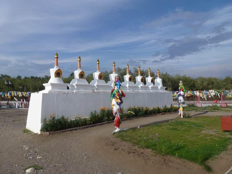По русскому и монгольскому Алтаю