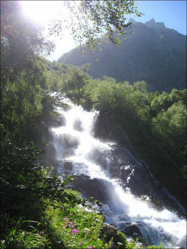 49. Один из Чучхурских водопадов